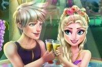Elsa w Jacuzzi